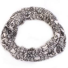 Bílý šátek Terry s norským vzorem