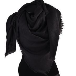 Huňatá jednobarevná dámská šála Hedvika černá