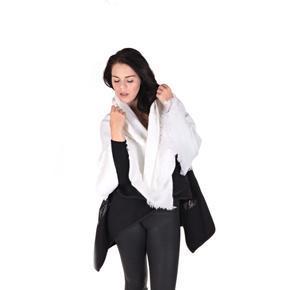 Huňatá jednobarevná dámská šála Hedvika bílá