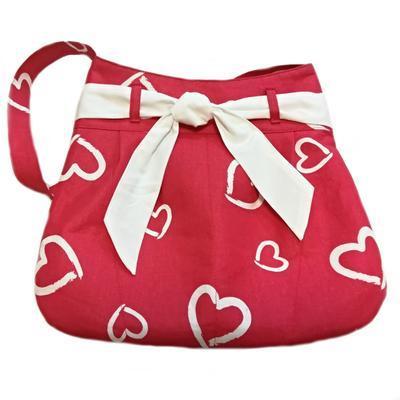 Červená plátěná kabelka Aurelie se srdíčky - 1