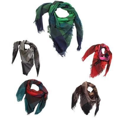 Čtvercový šátek Klaudie - 1