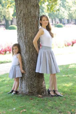 Dívčí šedá kolová sukně Elza s hvězdičkami - 2