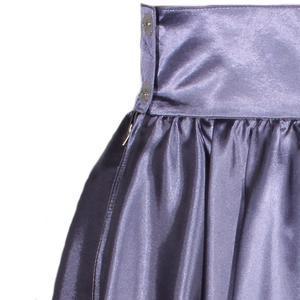 Tmavě šedá saténová sukně s pevným pasem Kimberly - 2/2