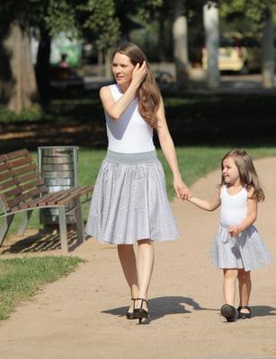 Šedý set sukní pro maminku a dceru Scarlet s hvězdičkami - 4